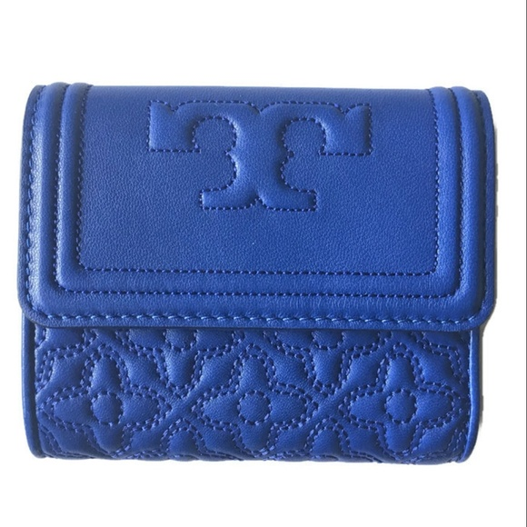 6a5ff7c8e24e TORY BURCH Bryant Mini Wallet Blue Quilted Leather